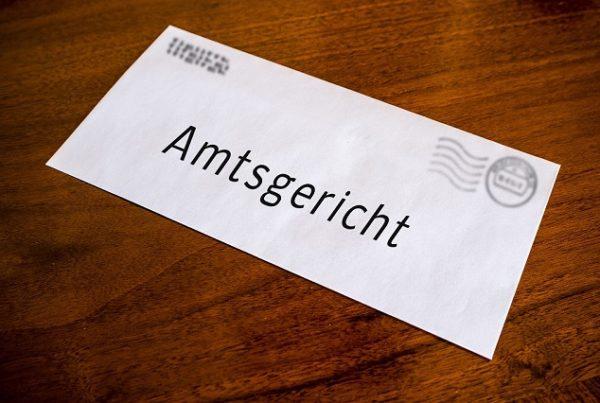 Amtsgericht 600x403 - Akceptacja nakazu karnego w Niemczech (Strafbefehl) – co robić?